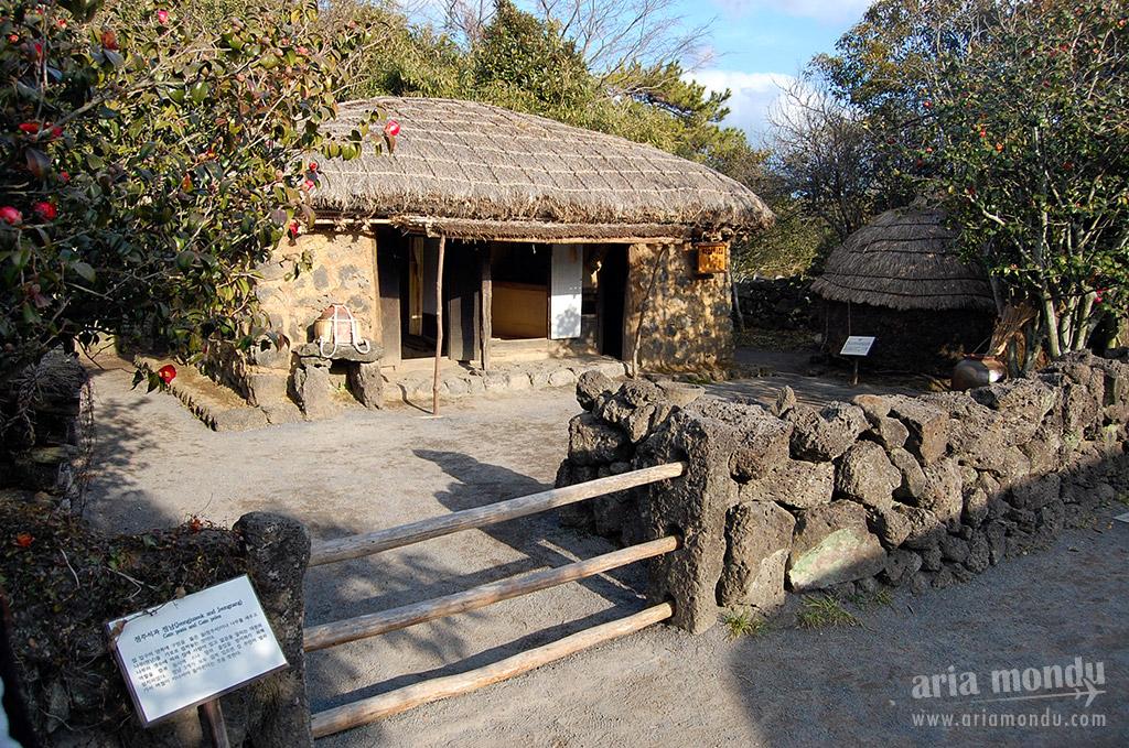 Jeju Folk Village